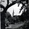 kapelica-pred-vrtom-pogled-iz-vrta-in-prvotna-baklasredi-60